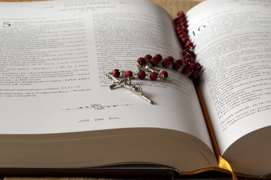 Rosary and Bible_01